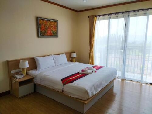 Deluxe Double or Twin Room 01